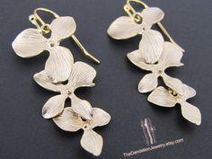 SALE 10 OFF Flowers cascade earrings in by Thedandelionjewelry, $19.50