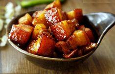 Thịt heo kho mặn là món ăn ngon, hấp dẫn nhưng có cách làm lại rất đơn giản nên được các chị em nội trợ ưa thích lựa chọn nấu cho bữa ăn gia đình mình.