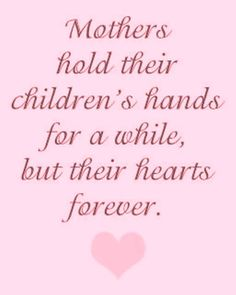Mothers hold their children's hand for a while. ..
