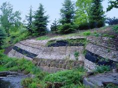 Geological Strata, Crystal Palace Park. Penge (Sydenham Hill), south-east Londo