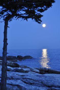 Ocean Point, Maine http://ecameraeffects.com/camera-bag-hacks/