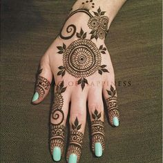 Latest Eid Mehndi Designs Collection for Girls consists of new trends and henna designing styles. Try out these easy and simple mehndi designs! Bridal Mehndi Designs, Easy Mehndi Designs, Beautiful Henna Designs, Latest Mehndi Designs, Mehndi Designs For Hands, Mehandi Designs, Beautiful Mehndi, Bridal Henna, Indian Bridal