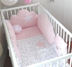 Quilt cover for a baby's cot, white with grey stars and pale pink Baby Cot Bumper, Baby Cribs, Cot Quilt, Cot Bedding, Baby Bedroom, Baby Room Decor, Baby Pillows, Quilt Cover, Baby Sewing