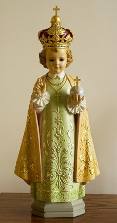 Statuette religieuse (Enfant Jésus de Prague) / © Centre historique des Soeurs de Sainte-Anne 2009
