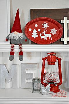 DIY Christmas Decoupage Platter Tutorial at www.the36thavenue.com