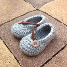 Ezra Gray Crochet Baby Girl Shoes by BellusThreads on Etsy