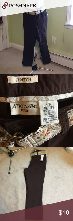 Capris/Crop pants with belt Capris/Crop pants with belt. 10P NWT from pet free smoke free home St. John's Bay Pants Ankle & Cropped