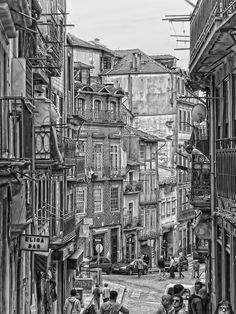 Portugal - Porto - Street scene in Porto by Daniel Schwabe
