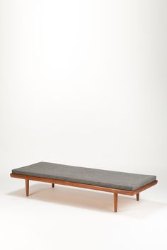 Tove and Edvard Kindt-Larsen; Teak and Oak Daybed for Saffle Möbelfabrick, c1960.