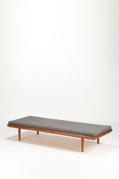 Tove and Edvard Kindt-Larsen; Teak and Oak Daybed for Saffle Möbelfabrick, c1960.