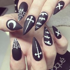 Halloween goth design stiletto nails, fake nails, coffin nails, stick on nails Ongles Gel Halloween, Cute Halloween Nails, Halloween Nail Designs, Creepy Halloween, Halloween Coffin, Halloween Ideas, Holloween Nails, Halloween Geist, Halloween Acrylic Nails