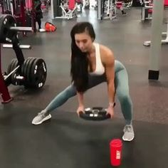 Another burnout coming your way ! This can be a burnout or just another exercise you do in your next leg day but holy moly, it's a killer…