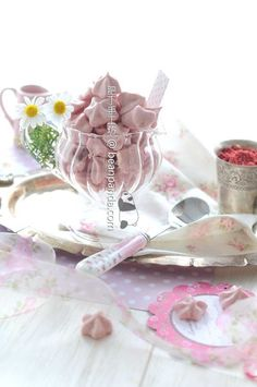 These lovely pink meringue cookies are eggless, low sugar, no artificial coloring and not using oven. How To Make Aquafaba, Aquafaba Recipes, Strawberry Meringue, Meringue Cookies, Gluten Free Desserts, Dessert Recipes, Corn Starch, Low Sugar, Sweet Treats