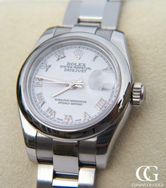 Totally stunning Rolex 26mm ladies model 179160 with a white face and smooth bezel. Polished Oyster bracelet with the new hidden clasp. To die for!