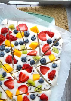 Low Carb Recipes, Cooking Recipes, Healthy Sweets, Healthy Desserts With Fruit, Healthy Snacks For Kids On The Go, Recipes With Yogurt, Healthy Recipes For Kids, Healthy Snack Recipes, Yogurt Bark Recipe