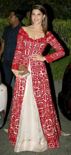 Bollywood fashion 467530005061162585 - Jacqueline Fernandez at a special dinner for British royal couple William and Kate. Indian Wedding Guest Dress, Indian Wedding Outfits, Dress Wedding, Indian Outfits Modern, Jacqueline Fernandez, Indian Attire, Indian Wear, Indian India, Pakistani Dresses