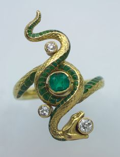 PAUL BRIANCON, Art Nouveau Snake Ring - Gold, Enamel, Emerald and Diamond. H: 2.9 cm (1.14 in)   French, c.1900  (Ref: 5037)