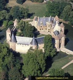 Château d'Ainay-le-Vieil, Ainay-le-Vieil, Cher, France... www.castlesandmanorhouses.com ... Built in the 14th century, this moated castle has been listed as a Monument historique since 1968 by the French Ministry of Culture.