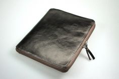 Ipad case in metallic leather by Lucrin