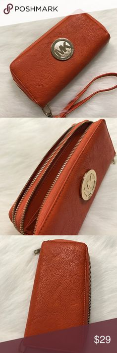 Michael kors wallet Never used. Lots of space and room Bags Wallets
