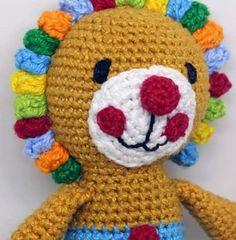 O Leão Bastião está disponível sob encomenda! ----- Encomendas:  capitaganchocroche@hotmail.com ✈ Enviamos para todo o Brasil ----- #croche #crochetaddict #moderncrochet #artesanato #semprecirculo #brinquedos #feitocomamor #feitoamão #circo #amigurumi  #crochetofinstagram #crochetlove  #presentes  #presentescriativos  #mimos  #fofura  #design  #crianças  #clowns  #crochettoy #ganchillo #crochet #craftastherapy #heklanje #crochetdoll #munheca #handmade  #design #yarnaddict #infancia…
