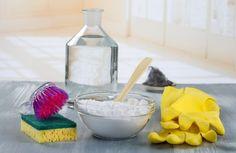 Bikarbonat absorberar dålig lukt och är effektivt till rengöring. Det är väl värt att köpa hem bikarbonat i storpack för billig, enkel och effektiv rengöring i hela hemmet.