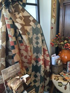 O my gosh!  This is beautiful!  My mom has recently gotten into quilting.  She would love these rustic patterns.