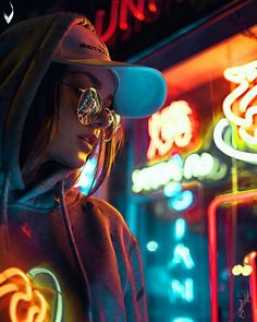 Photography Portrait City Lights 26 Best Ideas This Originality connected with Photography Pictures is Neon Lights Photography, Urban Photography, Night Photography, Creative Photography, Photography Ideas, Hipster Girl Photography, Photography Gloves, Photography Reflector, Photography Tricks