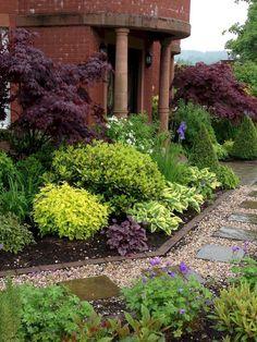 Nice 40 Affordable Low Maintenance Front Yard Landscaping Ideas https://decoremodel.com/40-affordable-low-maintenance-front-yard-landscaping-ideas/ #LandscapeShrubs