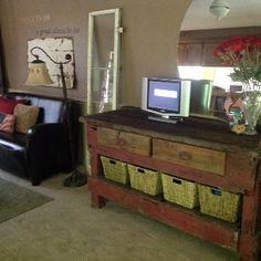 Vintage sideboard Woodworking Enthusiasts, Vintage Sideboard, Decorating Ideas, Bench, Storage, Furniture, Home Decor, Purse Storage, Antique Dressers