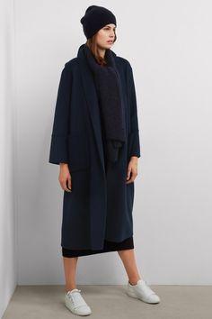 fae60a8311b2b Quel manteau d hiver shopper pour être stylée     La tendance oversize se  retrouve