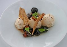 Hot Ice Cream by Aki Kamozawa www.aaronscatering.com #moleculargastronomy #icecream