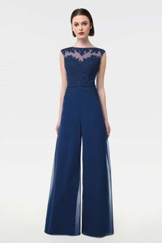 Prom Jumpsuit, Jumpsuit Outfit, Wedding Day Dresses, Classy Outfits For Women, Dressy Outfits, Coats For Women, Clothes For Women, Jumpsuits For Women, Cocktails