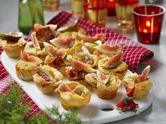 Velkommen til gløgg - her er tip til et godt valg! Swedish Recipes, Something Sweet, Party Snacks, Deli, Tapas, Brie, Food And Drink, Healthy Recipes, Buffet