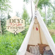 How to make a teepee tent a simple no-sew project in less than an hour!How to make a tipi without sewing - a quick and easy tutorial for tipis! Diy Teepee, No Sew Teepee, Kids Teepee Tent, Teepees, Forts, Tutorial Tipi, Peter Pan Party, Diy Bebe, 1st Birthday Parties