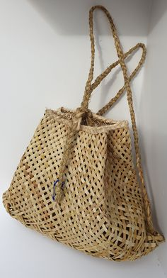 Flax Weaving, Hand Weaving, New Zealand Flax, Weaving Techniques, Bucket Bag, Straw Bag, Craft Supplies, Packing, Backpacks