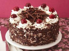 Como fazer bolo floresta negra - 11 passos (com imagens)