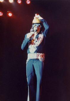 1975 12 13  Las Vegas .Midnight Show