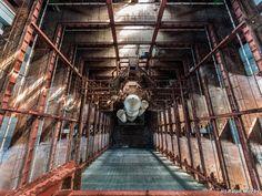 幻の旧ソ連・有人ロケット計画「ブラン計画」の廃墟写真 > Ralph Mirebs >