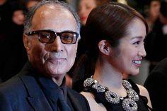 """Il regista Abbas Kiarostami, a sinistra, con uno dei suoi membri del cast, Rin Takanashi, """"Qualcuno fromLike in Love"""""""