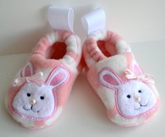 Bunny baby booties for sizes newborn to 3 by ShuhpuppyAndDeppy, $15.00