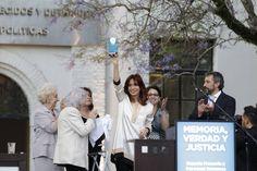 Cuando hablo de ustedes no solamente hablo de los que están aquí hoy presentes, sino a miles y miles de argentinos que durante mucho tiempo habían luchado para recuperar la memoria, la verdad y la justicia