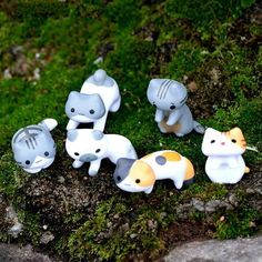 Decorative Ornaments & Figures Neko Atsume Cute Cats Figures Anime Figurine Micro Landscape Home Decor Lca & Garden Anime Figurines, Fairy Figurines, Cat Garden, Animal Statues, Cat Decor, Bonsai Garden, Cat Photography, Miniature Fairy Gardens, Garden Landscaping