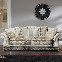 Двухместный-диван-в-стиле-имперо-с-широкими-подлокотниками-коллекция-Contemporary-Modenese-Gastone.jpg - Divano due posti bianco decorato