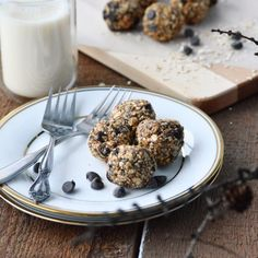 Avril Supermarché Santé – BOULES D'ÉNERGIE AU BEURRE D'ARACHIDES ET CHOCOLAT Quick Healthy Snacks, Healthy Muffins, Healthy Meals For Two, Healthy Fruits, Healthy Food, Healthy Recipes, Cranberry Dessert, Fruit Recipes, Summer Recipes