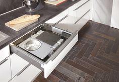 immer griffbereit nie im weg ein allesschneider in der schublade sorgt f r optimale. Black Bedroom Furniture Sets. Home Design Ideas