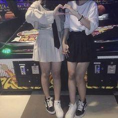 Korean Couple, Korean Girl, Asian Girl, Lgbt Couples, Cute Gay Couples, Ulzzang Couple, Ulzzang Girl, Girls Holding Hands, Korean Best Friends
