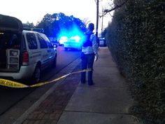 Police setting up crime scene tape, blocking off road at Goodlett and Tuckahoe. pic.twitter.com/lxHTMPJHgt