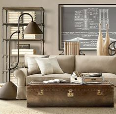 Checking out Restoration Hardware's trunk furniture leaves us with a bunch of travel inspired vintage interior ideas. A travel trunk used as furniture in an interior space can be. Modern Interior Decor, Home And Living, Vintage Interior, Chic Living Room, Trending Decor, Coffee Table Vintage, Home, Interior, Home Decor