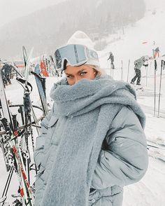 Ski Fashion, Winter Fashion, Fashion Outfits, Mode Au Ski, Sport Outfit, Ski Season, Winter Fits, Ski And Snowboard, Ski Ski